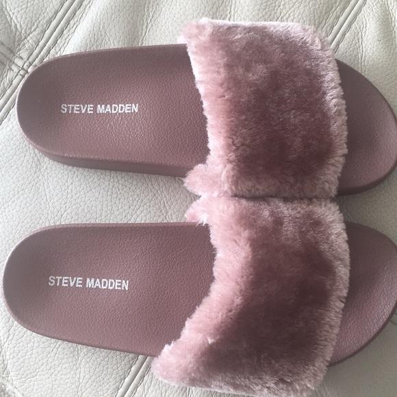 4e73211bcd5 Steve Madden Rose Fur Slides. Size Sm US 8. M 5a91c4fccaab448dce003eea
